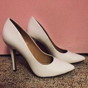 White pointed toe shiny heels
